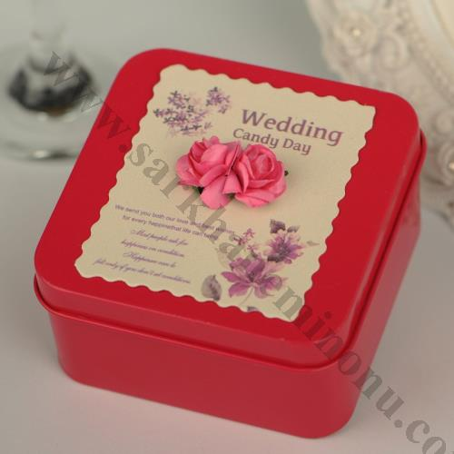 Kırmızı Kare Metal Kutu Nişan ve Düğün Hediyesi