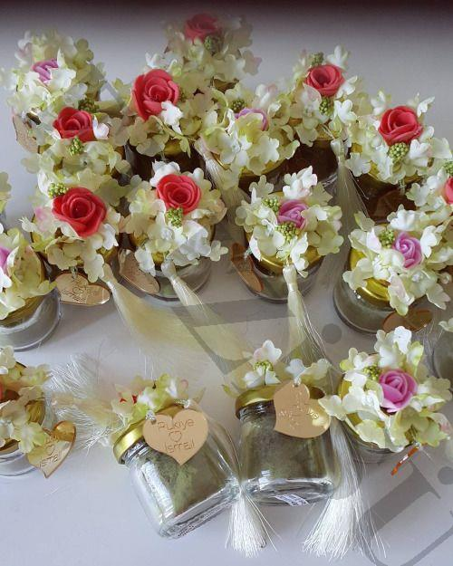 Çiçekli Cam Kavanozda Kına